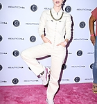 hayley-williams-at-beautycon-festival-2019-in-los-angeles-08-10-20-2.jpg