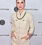 hayley-williams-at-beautycon-festival-2019-in-los-angeles-08-10-20-5.jpg
