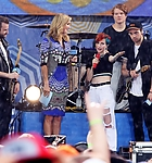 paramore-spencer-2014-gma-summer-concert-series-01.jpg